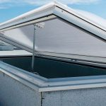 Hinged kerb rooflight